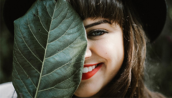 8 přírodních tipů pro zdravé a bílé zuby