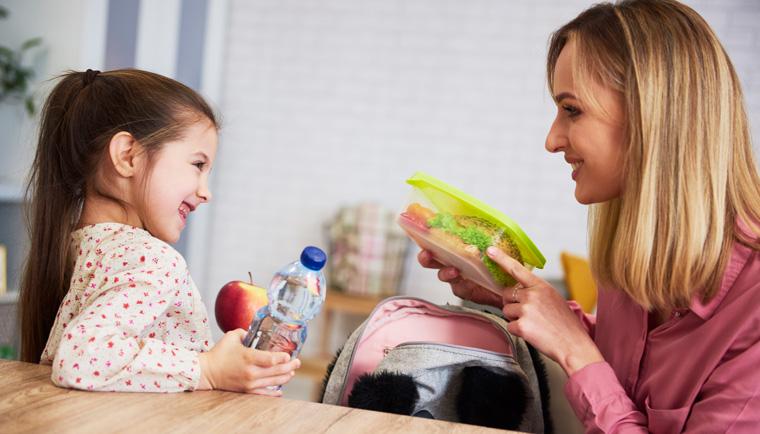 8 tipů, jak připravit zdravější svačinu do školy