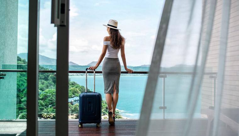 Chystáte se na dovolenou k moři? Tyto věci vám nesmí v kufru chybět