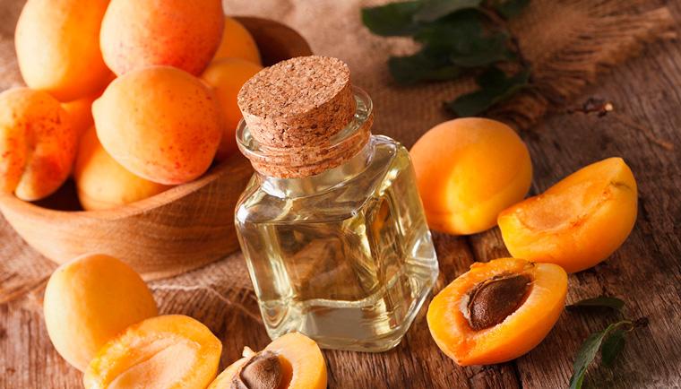 Meruňkový olej - vítaný pomocník v každém směru