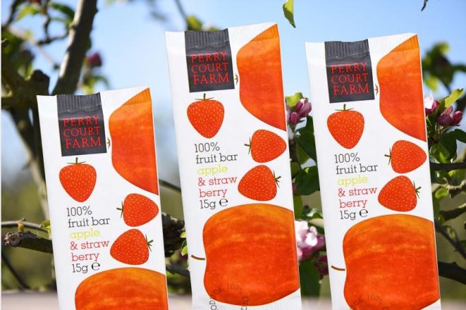 Ovocná tyčinka jablko & jahody 15g