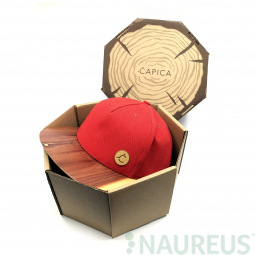 Čepice classic červená BIO látka + kšilt aromatic cedr dřevo - velikost M/L