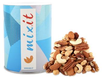 Tuba plná ořechů
